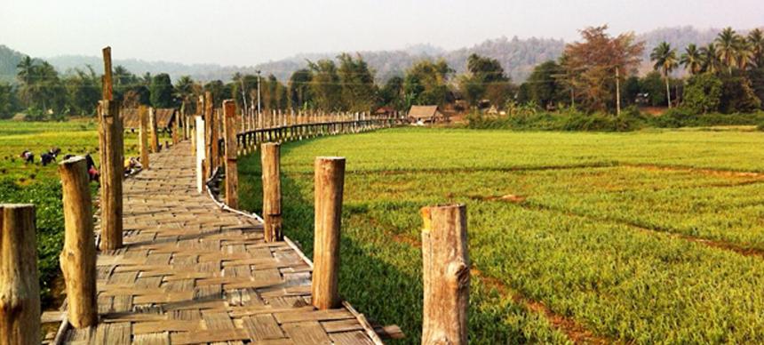 ซูตองเป้ สะพานไม้ที่ดังที่สุดในชั่วโมงนี้