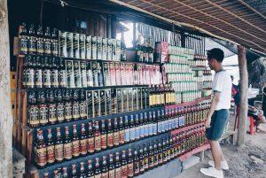 นั่งเรือจากไทย ไปเหมาเบียร์ลาวแป๊บนึง..... ll วันเดียว 200 บาท ll