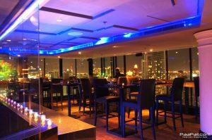 """คุ้มสุดๆ ที่ห้องอาหาร Axis & Spin (Bar & Lounge) กับโปรโมชั่น """"SKY DINING"""""""