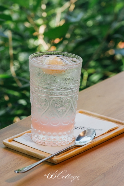 Lychee Lime Rose Soda 75 Baht