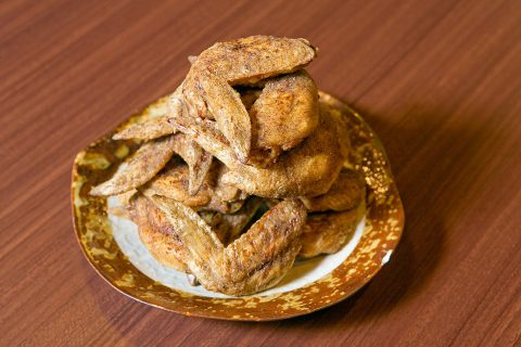 ต้องลอง! ปีกไก่ทอดต้นตำหรับจากนาโกย่า ที่ร้านเซไค โนะ ยามะจัง