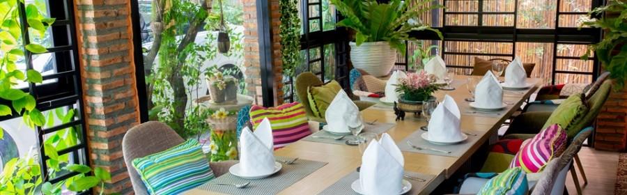 Garden Corner Room