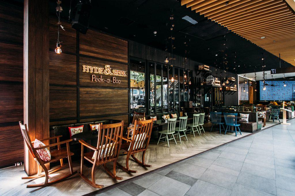 ชวนแฮงก์เอ้าท์ที่ Hyde & Seek Peek-a-Boo ร้านอร่อยกลางเมือง!