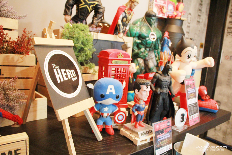 """พักทานของหวานกับเหล่าบรรดาซุปเปอร์ฮีโร่ที่ """"The Hero Cafe"""""""