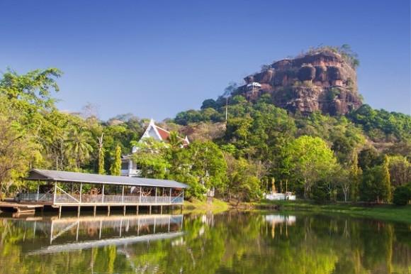 เขาเล่าว่า สถานที่ท่องเที่ยวในเมืองไทย ตำนาน (8)