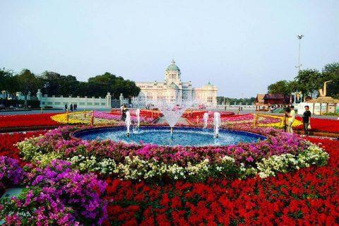 """ตื่นตาตื่นใจกับสวนดอกไม้หลากสีสันกว่า 2 แสนใน """"งานอุ่นไอรัก คลายความหนาว"""""""