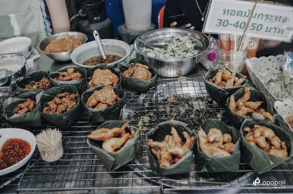 """เที่ยวแบบ One Day Trip ตามหาของอร่อยที่ตลาดโบราณ """"ตลาดคลองสวน 100ปี"""""""