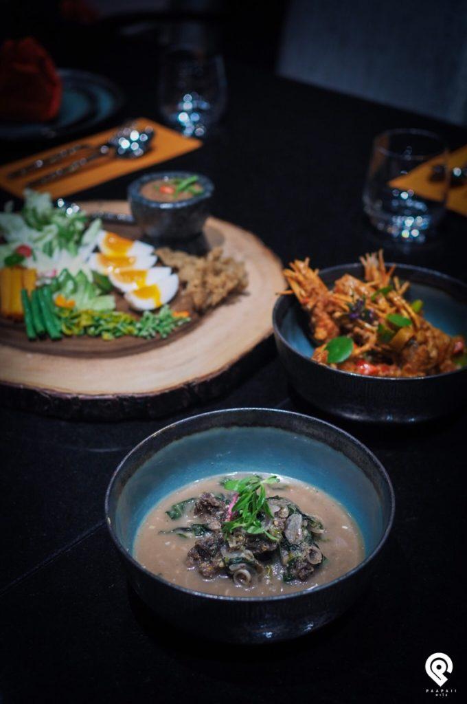 """ลิ้มรสความอร่อยของอาหารไทยตำรับชาววังที่ห้องอาหารไทย """"The House of Smooth Curry"""""""