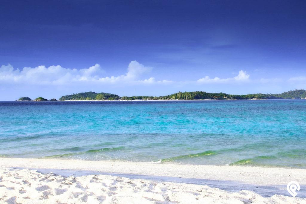 """""""เกาะหลีเป๊ะ"""" ทะเลสุดปัง น้ำใส ปิ๊ง ปิ๊ง"""