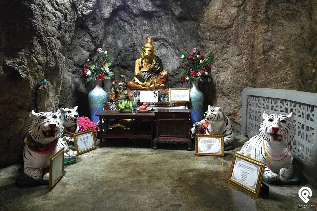 ชมมหาพระพุทธรูปสีทองตั้งตระหง่าน วัดถ้ำเสือ กาญจนบุรี
