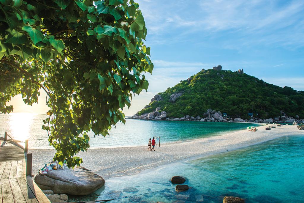 """""""Beach Paradise"""" ปลุกความสนุกสนานให้กับทะเลใต้"""